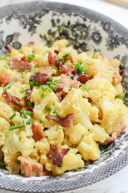 Loaded Cauliflower Mac and Cheese - cauliflower tossed in a delicious paleo cheese sauce and topped with bacon. Get your mac and cheese fix without the guilt!