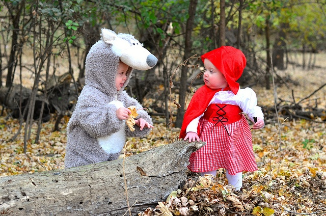 Twin halloween costumes @Holly Sumner Umm to cute