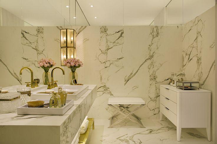 Banheiro cinza com metais dourados maravilhoso! Confira todos os detalhes! - Decor Salteado - Blog de Decoração e Arquitetura