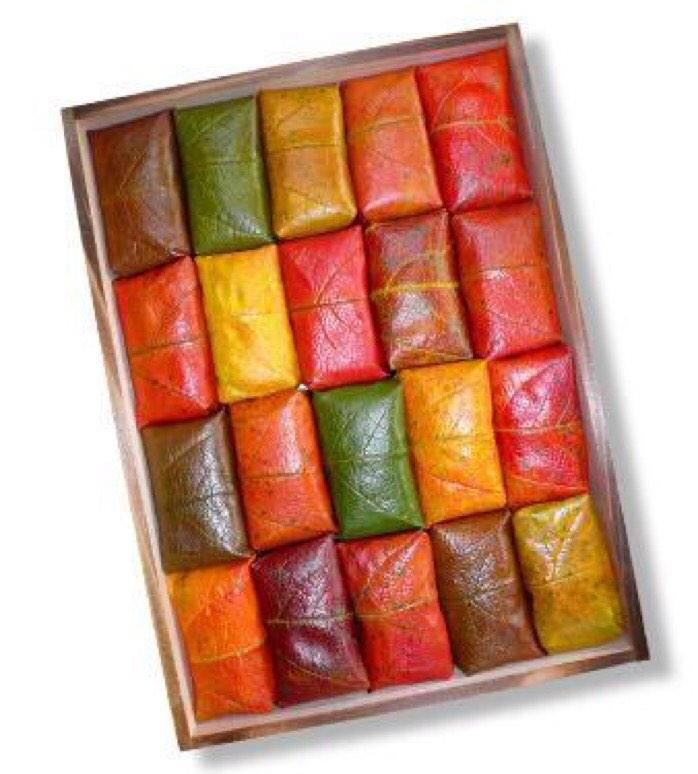 柿の葉、えらいRT @a0i0a: 柿の葉寿司の美しさ。 自然てこんなに色に満ちてるんだと改めて。 柿の葉ひとつでこんなにカラフル! 奈良が呼んでる