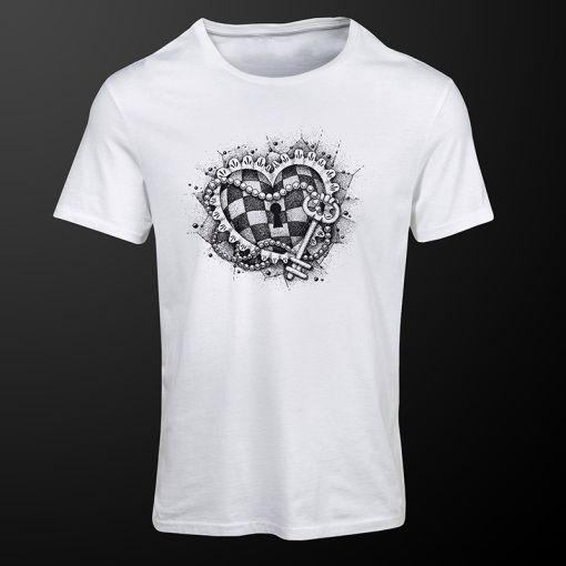 Chess Heart #ChessHeart #white #chess #tshirt #clothing #premiumchesswebshop #chesswebshop