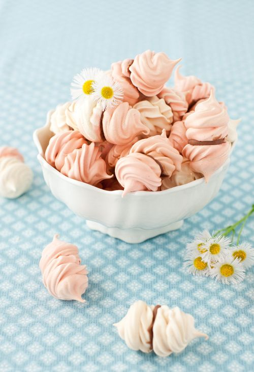 Rose Water Meringue Kisses with Chocolate Recipe