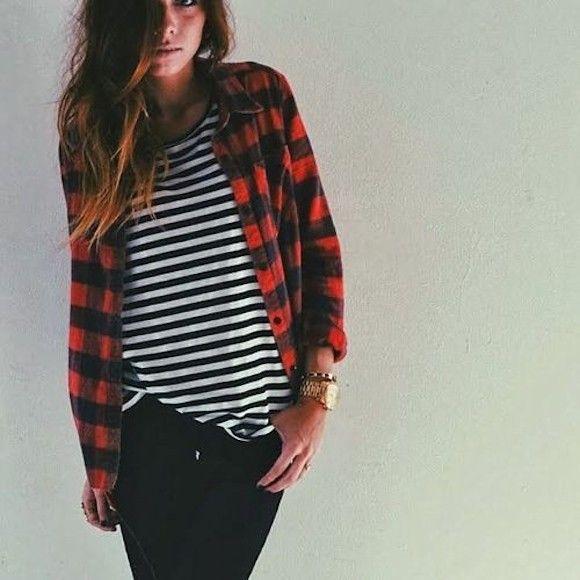 Chemise de bûcheron rouge + marinière + jean noir = le bon mix >> http://www.taaora.fr/blog/post/look-chemise-carreaux-rouge-style-bucheron-avec-t-shirt-mariniere #look #outfit #ootd                                                                                                                                                     Plus