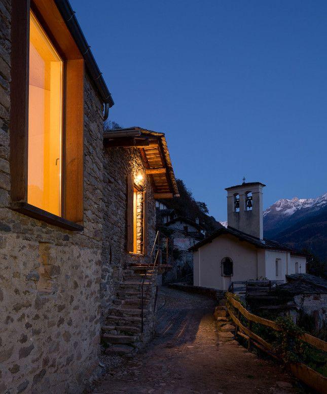 Una stalla in Val Vigezzo, si trasforma in una splendida residenza. http://www.organiconcrete.com/2016/02/12/val-vigezzo-vudafieri-saverino/