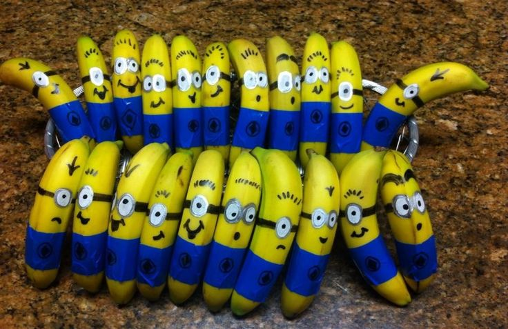 Minion bananas....healthy school snack. Valentines?