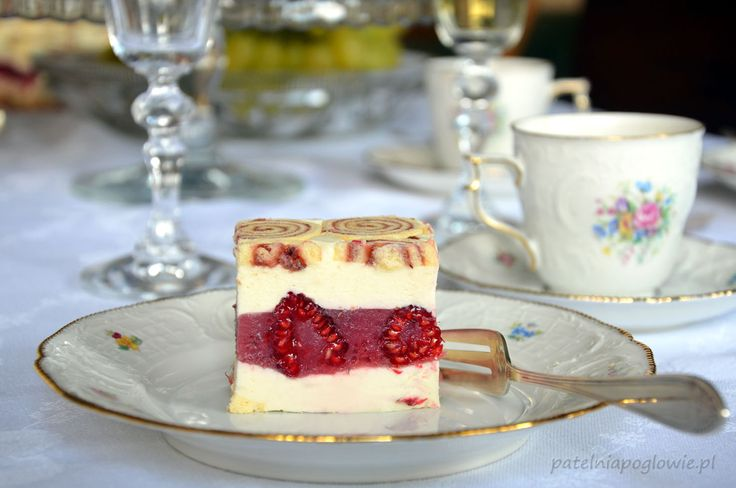 White chocolate mousse with raspberries.