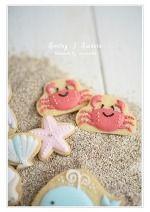 海のモチーフのアイシングクッキー : )