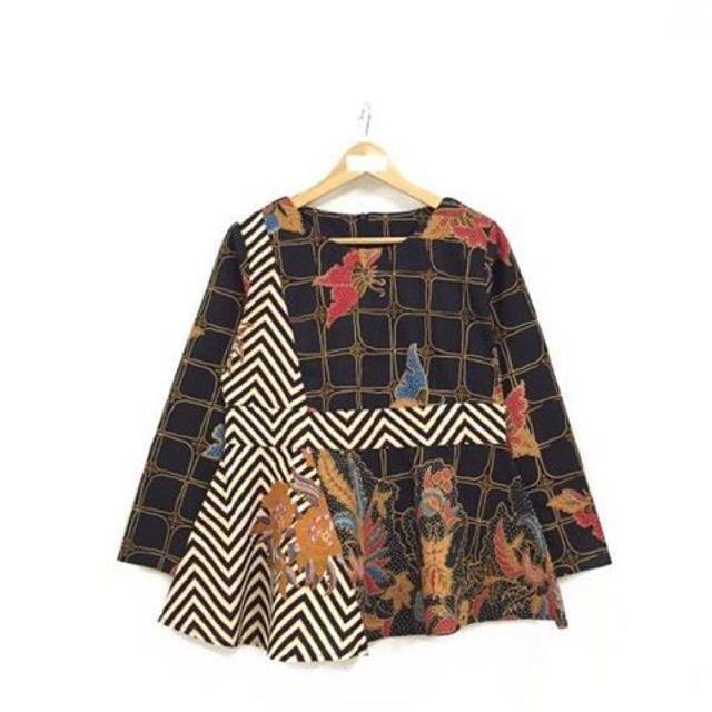 Saya menjual Blouse batik seharga Rp149.000. Dapatkan produk ini hanya di Shopee! https://shopee.co.id/nurika.batik/243020752/ #ShopeeID