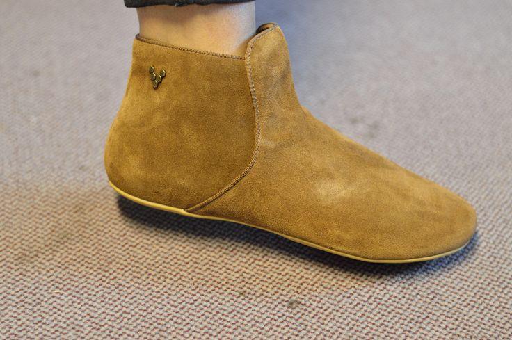 VIVOBAREFOOT Gwen  - erhältlich in den Farben Braun (s. Foto) und Dunkelrot  Beide Varianten findet ihr im Online Shop