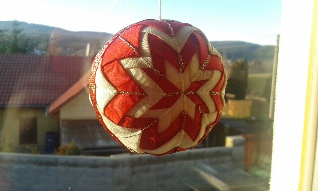 Ribbon christmas Ball