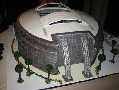 AT&T Stadium Wedding Cake, the home of the Dallas Cowboys, made into a cake.  Simply Incredible!  #footballwedding