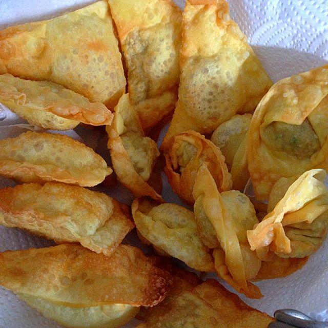 Deep Fried Pork Wontons Recipe (炸猪肉云吞) - coasterkitchen - Dayre