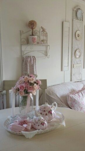 I so love pink an white...