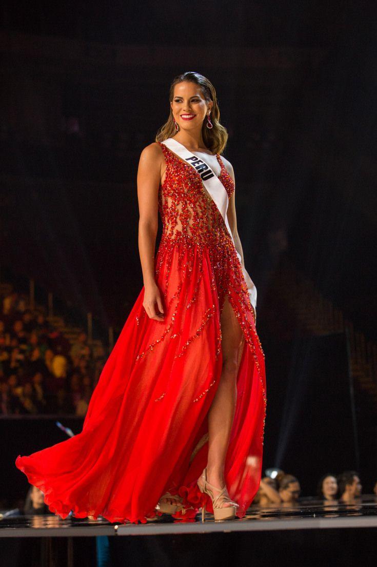 2017- Valeria Piazza, Miss Perú -  VALERIA PIAZZA, MISS PERÚ Piaza fue otra de las participantes que optó por el color rojo para su vestido.