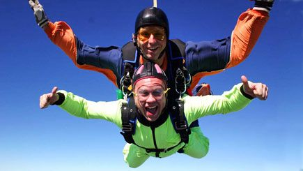TANDEM SKYDIVING JUMP FROM 10,000 FEET WITH AN INSTRUCTOR #adventuredays #extremesports