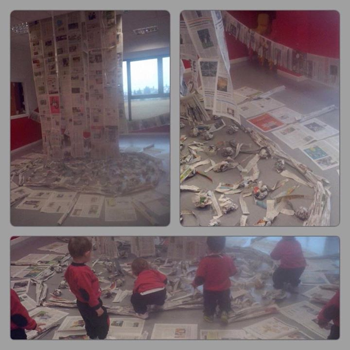 Papel de periódico, instalación inspirada en Elena Del Rivero