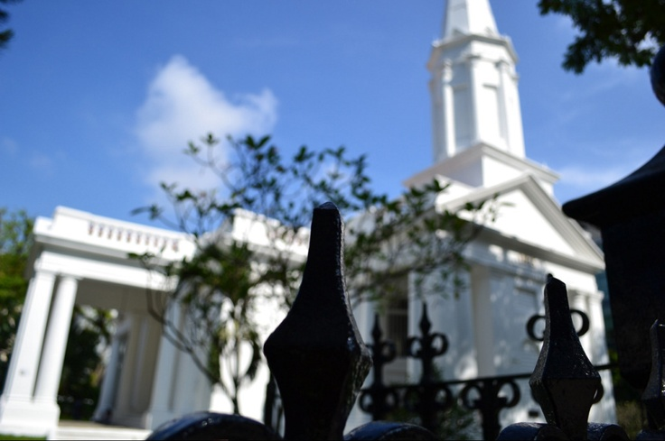 Another sunny day comes  ------ As you walk along in Singapore, you can see different kinds of churches and tamples...
