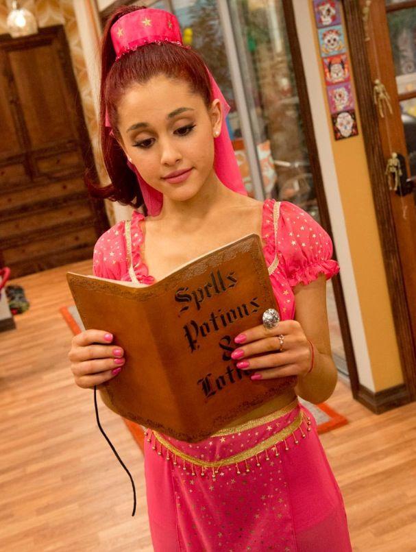 Ariana in Sam & Cat!!!! Love that show :)