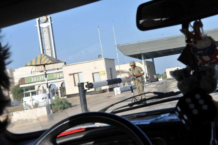 Uzbekistan: măgăruşi, iurte, bani schimbaţi la negru