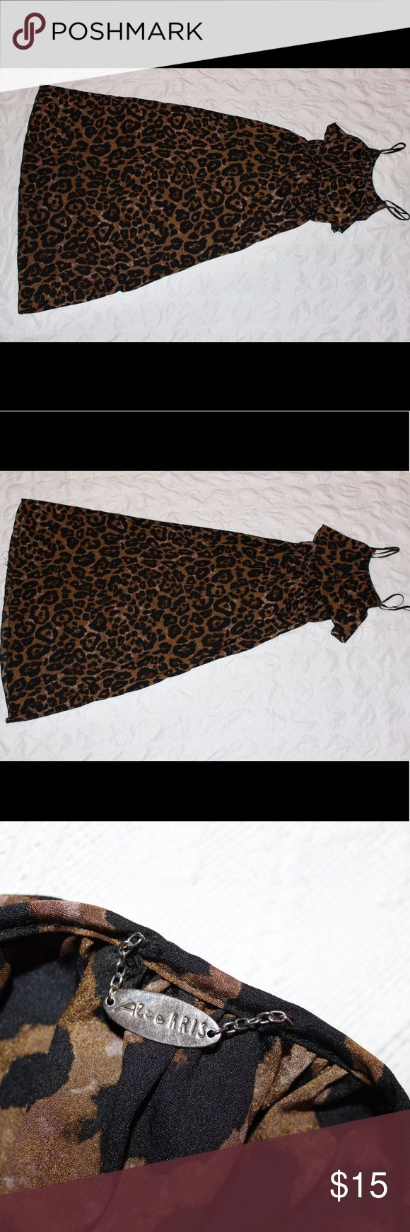 "ALI RRIS Animal Print Maxi Dress ✨ALI RRIS ✨Flowy Maxi Dress ✨Animal Print ✨Like-New, no Faults  Model: -weight: 125 lbs -height: 5'7""  ✨✨✨DISCOUNTS ON BUNDLES✨✨✨ ALI RRIS Dresses Maxi"