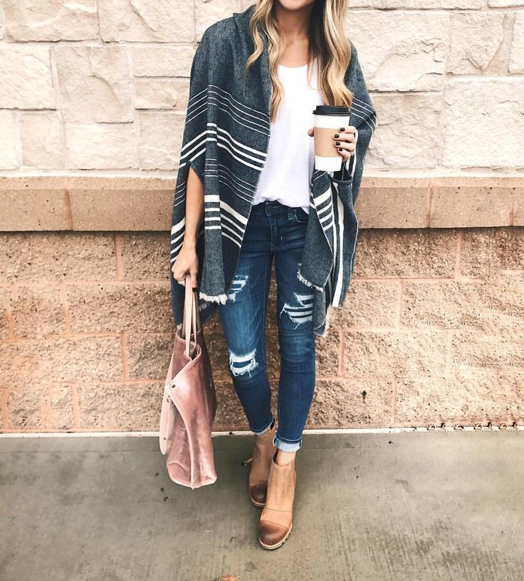 """787 Likes, 58 Comments - Taylor Brown (@taymbrown) on Instagram: """"Saturday street style. ✌ < Shop my look with the @liketoknow.it app available in the App Store!…"""""""