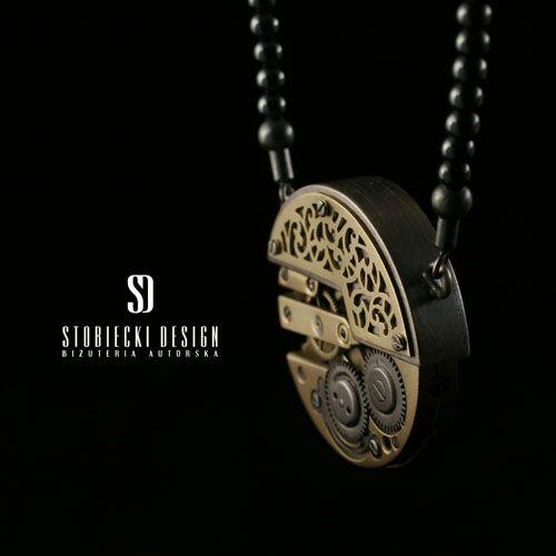 STEAMPUNK wisiorek srebrno- mosiężny z mechanizmem zegarkowym Biżuteria Wisiory stobieckidesign