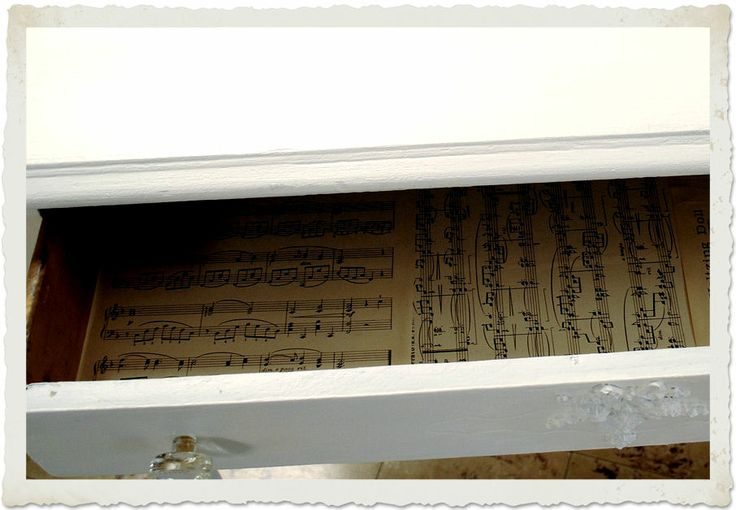 Printable Sheet Music + DIY Project - Cute Desk - The Graphics Fairy. I could do this with some old books I have...