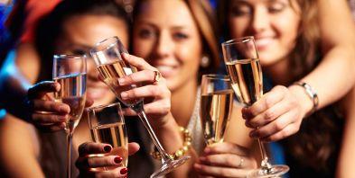 Silvester Kurzurlaub Sekt Champagner Feiern | Reisehummel.de