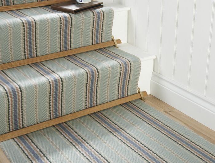 Les 25 meilleures id es de la cat gorie tapis pour for Moquette pour escalier en bois