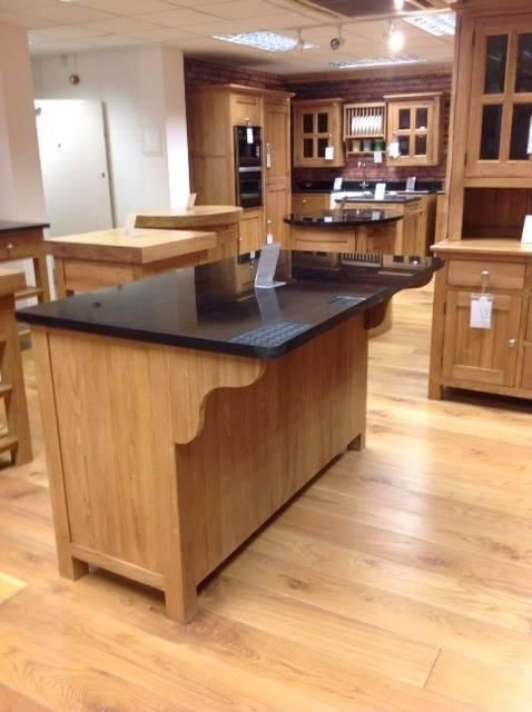 Breakfast Bar - Oak Free Standing Kitchens - The most interesting kitchens in the north