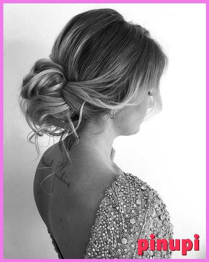 Gorgeous-messy-wedding-updos-22 24 gorgeous messy wedding updos It s no wonder messy wedding updos are so popular Polished hairstyles can sometimes fe...