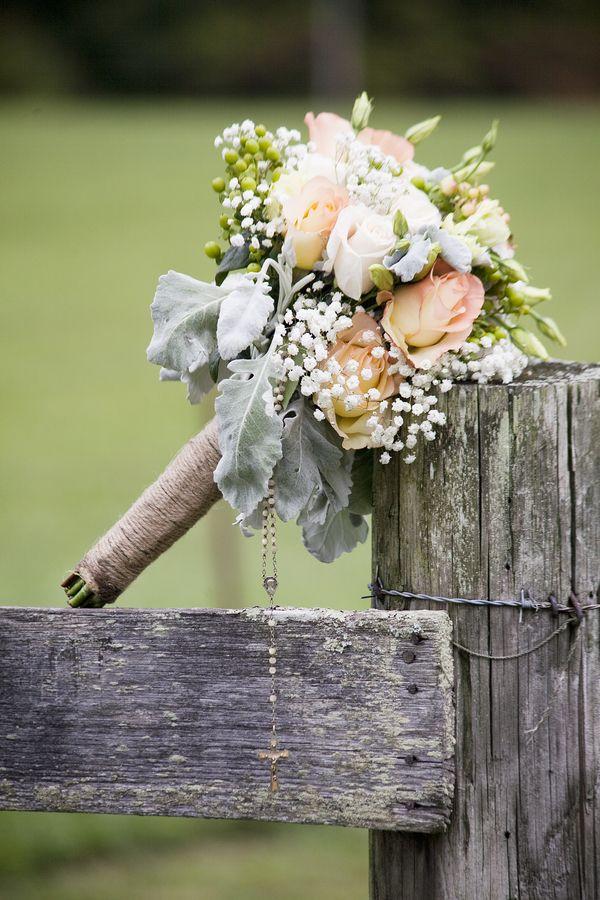 Rustic Wedding Bouquet ... Wedding ideas for brides, grooms, parents & planers ... https://itunes.apple.com/us/app/the-gold-wedding-planner/id498112599?ls=1=8  ... plus how to organise your entire wedding ... The Gold Wedding Planner iPhone App ♥