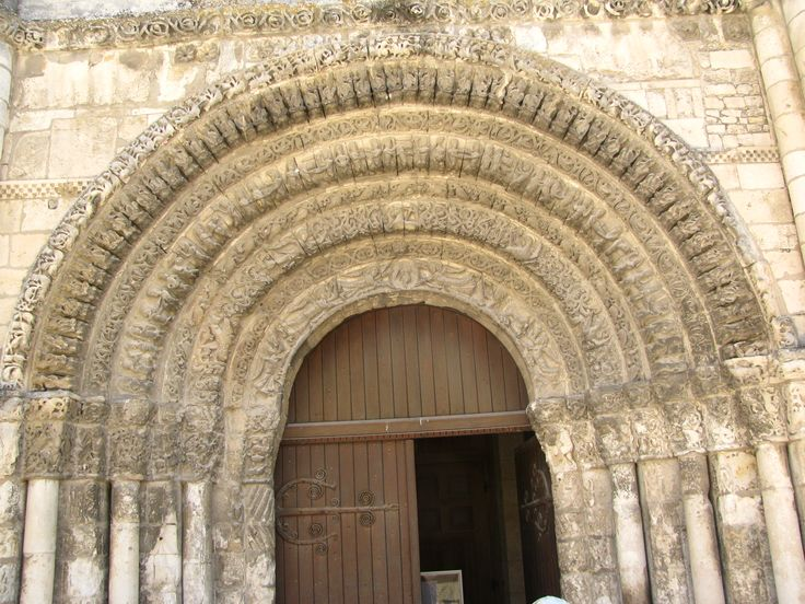 Westportaal Abbaye aux Dames, Saintes (F). Photo by: lexvanwijk@home.nl
