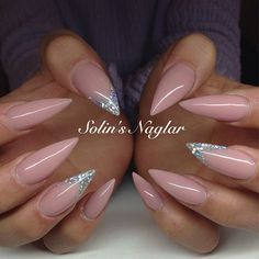 solinsnaglar | Instagrin | nude pink nails with glitter #nudenails #pinknails #glitternails