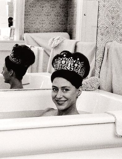 Princess Margaret wearing her favorite tiara in the tub (photo taken by Lord Snowdon, her husband).