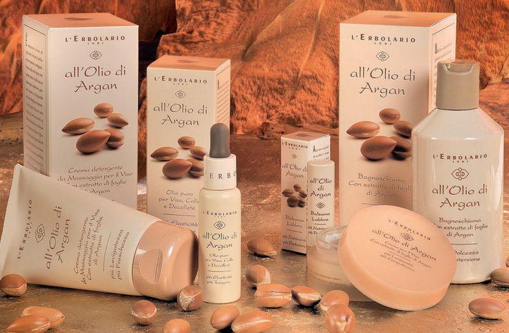Lo sguardo perso in un' Arganeraie in Marocco... L'Olio di Argan, l' Olio d'oro colato nella sua forma più pura da L'Erbolario in una linea completa per viso, corpo e capelli! > http://www.erbolario.com/linee/14-all-olio-di-argan