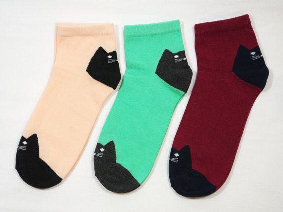 Colorful socks for women and girls. These socks are soft and comfortable. Seamless. Socks are woven using different color thread and not made from painted fabric. Material: 80% cotton 17% polyamide 3% elastane Size: one size fits all (19 cm), they can easily stretch Care instructions: