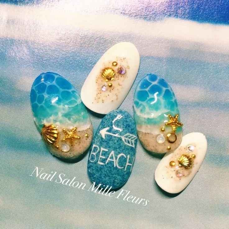 Drop design in beach motif..