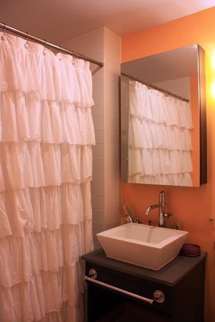 Thats a cute bathroom idea bathroom decor pinterest for Cute bathroom ideas pinterest