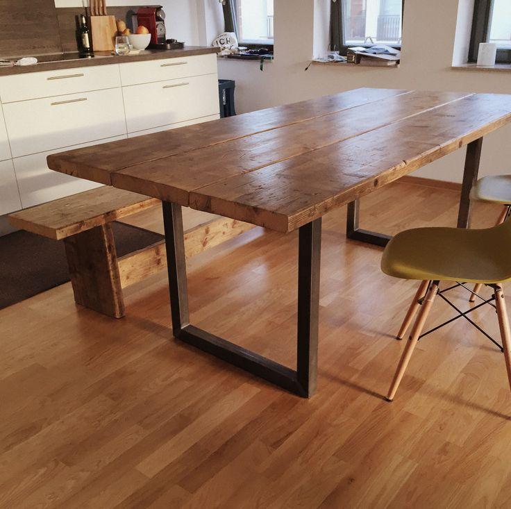 """Esstisch Holz Industriedesign ~ Über 1000 Ideen zu """"Holztisch Massiv auf Pinterest  Holztische, Massivholzt"""