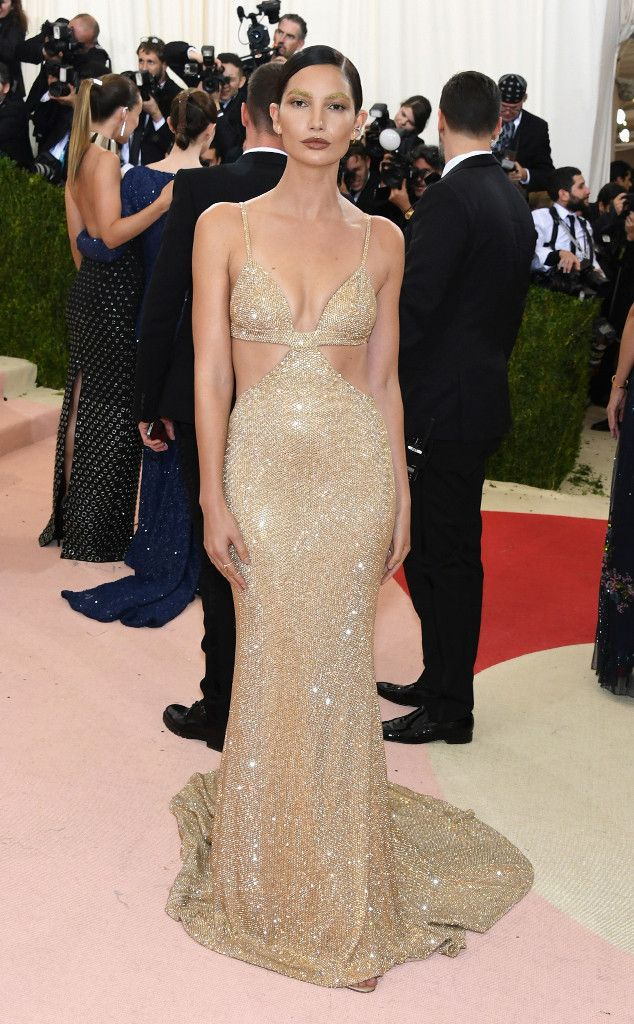 Red Carpet #Style | Met Gala 2016 ~ Manus x Machina: Fashion in an Age of Technology | Lily Aldridge in nude cutout gown | The Luxe Lookbook