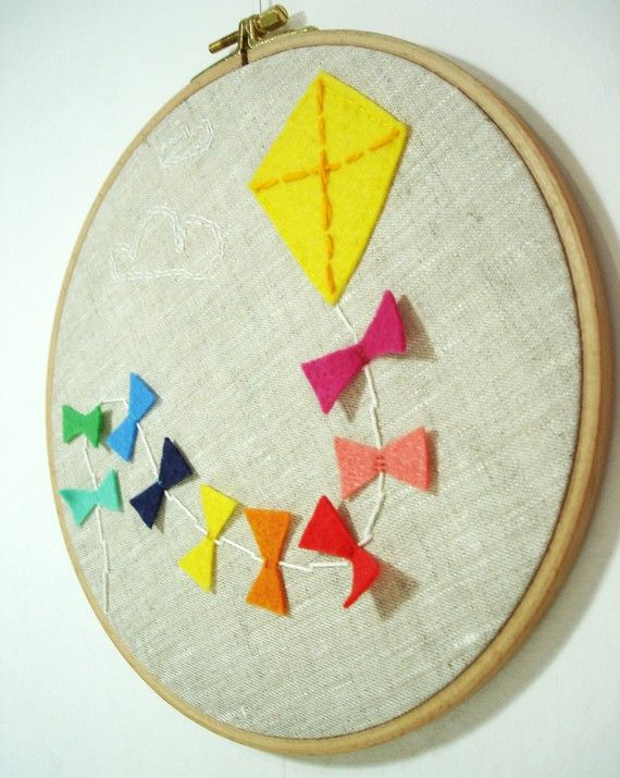 kiteEmbroidered Kite, Cute Ideas, Kids Room, Wall Art Crafts, Hoop Art, Crosses Stitches, Embroidery Hoops, Hot Air Balloons, Cross Stitches
