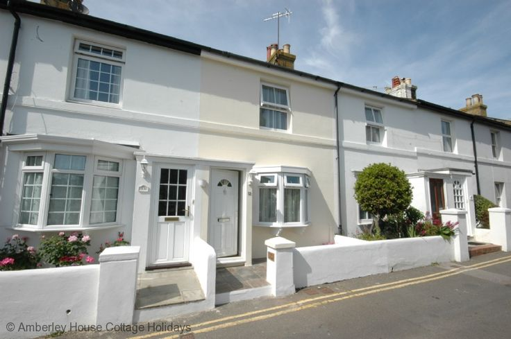 Holiday cottage in Seaford | sleeps 4 near to Eastbourne, East Sussex Sussex Holiday Cottages | upcoming late availability