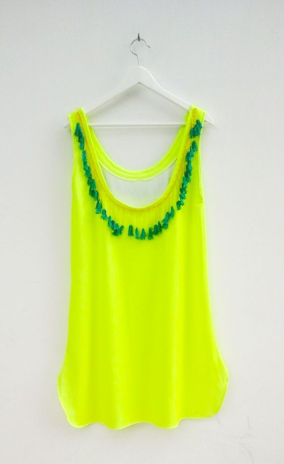 Neon Sarı Boncuk ve Püskül İşli Yazlık Elbise Zet.com'da 109.90 TL