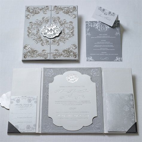 Silver wedding invitations. Silver weddings // Aisle Perfect.