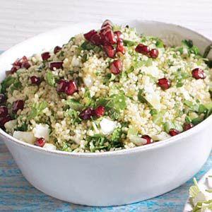Recept - Marokkaanse couscous met verse kruiden en granaatappel - Allerhande