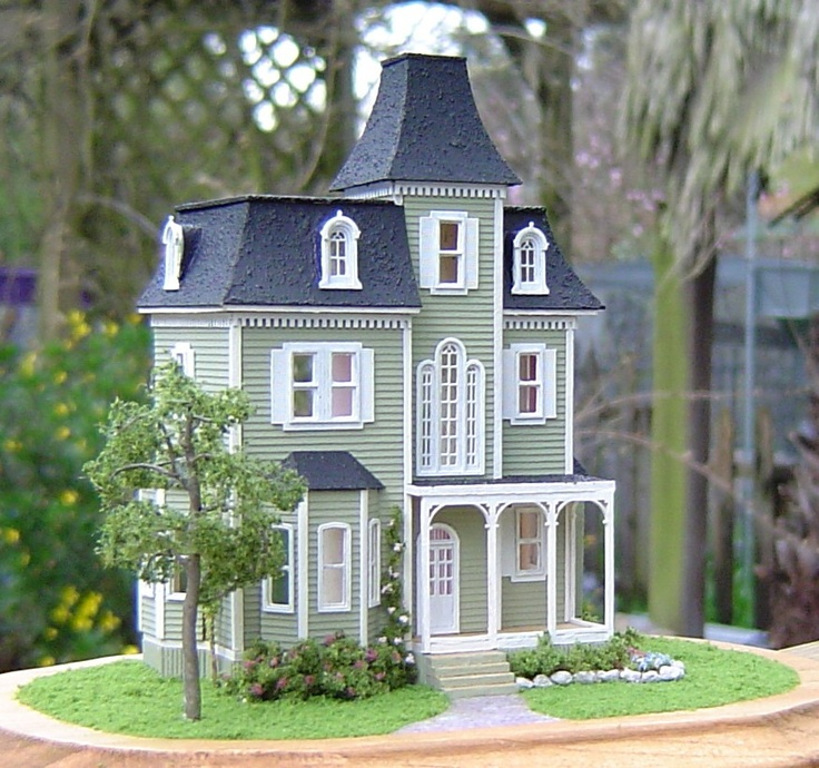 17 Best Images About Doll Houses And Tiny Treasures On Pinterest Needlepoint Christmas