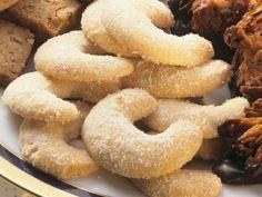 Vanillekipferl ist ein Rezept mit frischen Zutaten aus der Kategorie Vanillekipferl. Probieren Sie dieses und weitere Rezepte von EAT SMARTER!
