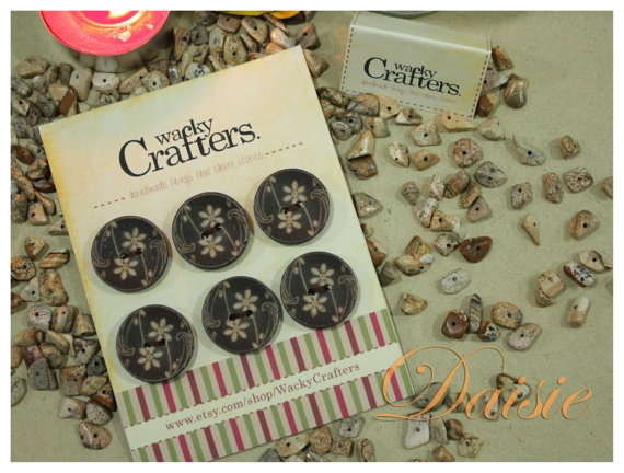Daisie Natural Wood Flower Pattern Button for by WackyCrafters, $3.50  https://www.etsy.com/listing/124400417/daisie-natural-wood-flower-pattern?