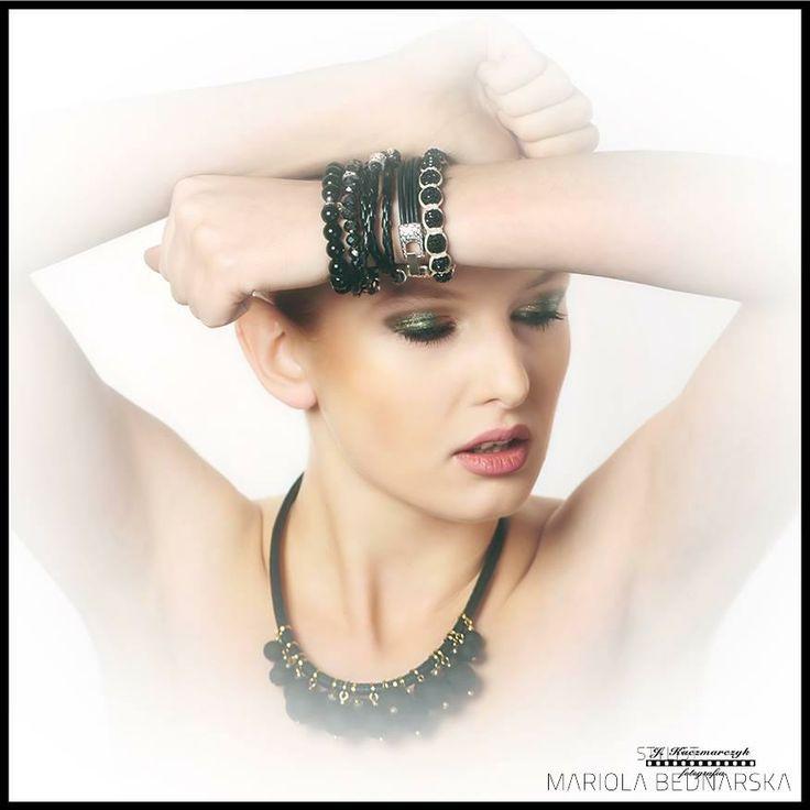 Portrait  Photo: Jacek Kaczmarczyk Make up: Mariola Bednarska Model: Kinga Lodzińska  #makeup #makeupartist #muamariola #portrait #beauty #face #jewelry #sexy